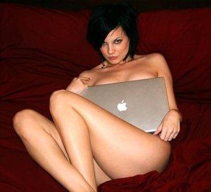 mujeres-prefieren-internet-al-sexo